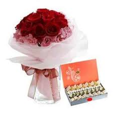 Beautiful bunch  with tasty mix sweets (code:107)