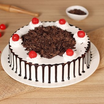 Black forest cake for new year (code: 218)
