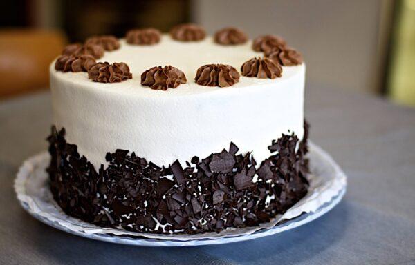 yummy blackforest cake for  valentines day